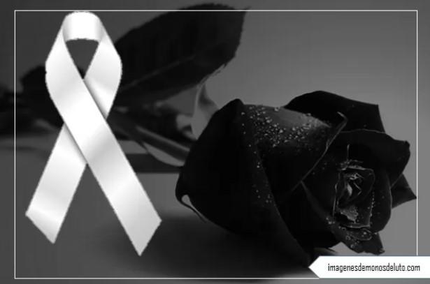Moños de luto en memoria de un ser querido